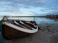 Barcha in secca a Reine in Lofoten (Isabella Pirastu) Tags: sea norge ship lofoten reine norvegia norwey blinkagain