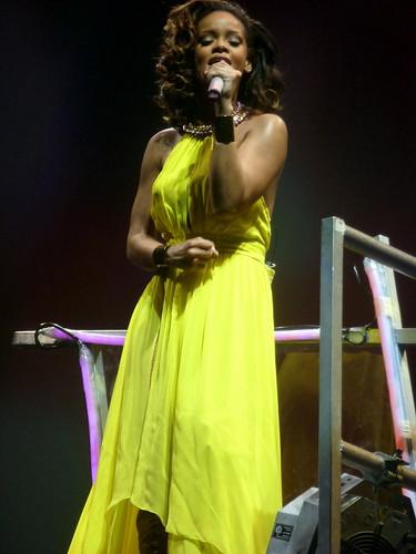 rihanna - bercy 2011 - 30