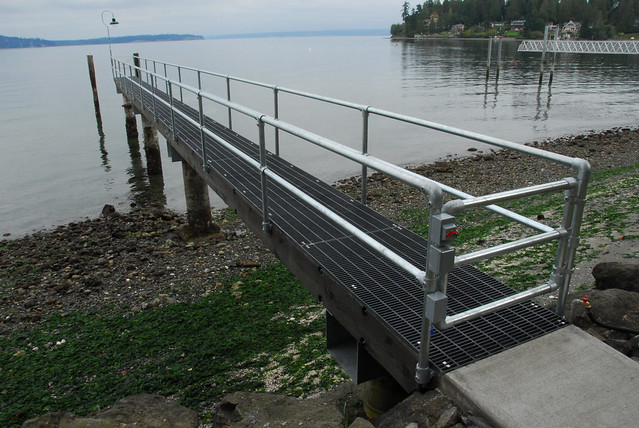 Dock Railing with Gate