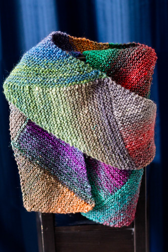 Multi-directional diagonal scarf