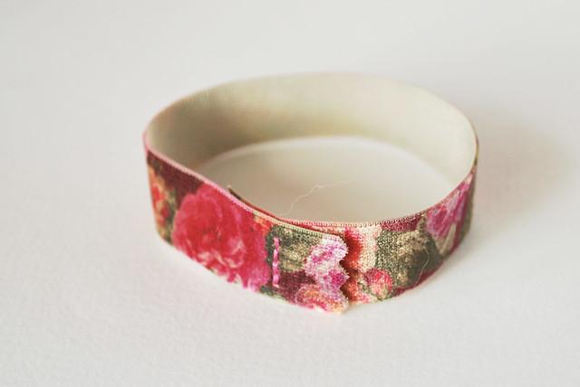 Elastic Trim = Bracelet