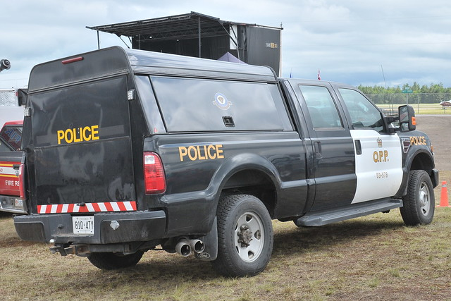 blackandwhite ontario canada ford truck pembroke back nikon rear police pickup camion vehicle law mccord lawenforcement opp petawawa d300 canadianpolice f250 4door crewcab builtfordtough ontarioprovincialpolice 3578 ianmccord pembrokeairport ianamccord