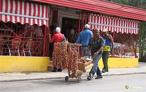 Garlic and Onion Local Seller - Havana Cuba