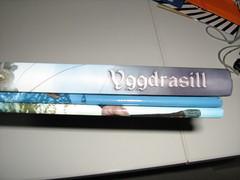 Lomos Yggdrasill y pantalla