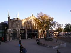 Dworzec kolejowy (magro_kr) Tags: building station architecture gteborg sweden gothenburg rail railway sverige goteborg goeteborg kolej architektura budynek plac vstragtaland szwecja dworzec stacja vastragotaland