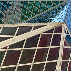 Geo-reflecto (Dialed-in!) Tags: seattle windows reflection glass lines metal architecture grid downtown pattern geometry shapes remkoolhaas squareformat wa seattlecentrallibrary unconventional 500x500 topedge dialedin thechallengefactory thepinnaclehof tphofweek122