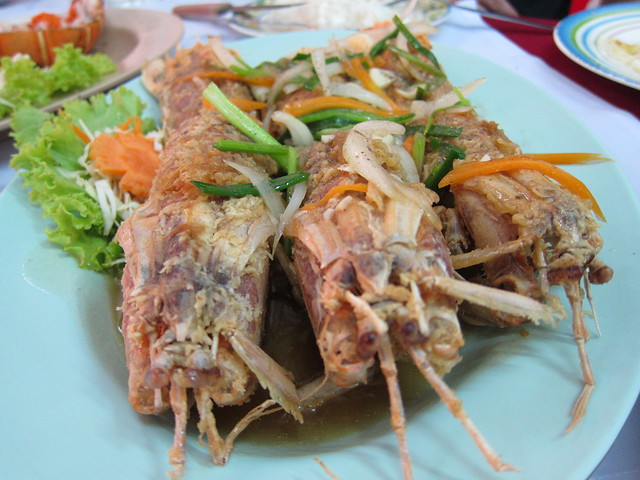 Deep-Fried King Mantis Prawn with Soy Sauce