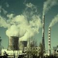 國際能源總署指出,一些關鍵趨勢正朝向令人擔憂的方向發展。包括二氧化碳的排放量已達到新高,全球經濟的能源效率連兩年惡化,而對石油輸入的開銷則接近歷史最高紀錄。