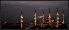 Namaz (Herminio.) Tags: blue sunset art azul atardecer tramonto minaret islam istanbul mosque bleu turquie mezquita masjid islamic estambul blava turqua mosque alcaraz mesquita herminio turkye minarete vellisca musulm masyid saghita paisatege herminioalcaraz