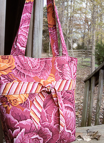 tie-front tote