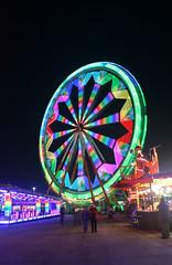 Ram (Marta Juan) Tags: park parque light espaa motion color luz wheel night del canon de eos lights luces noche amusement spain colorful ferris colores movimiento ram mallorca noria fira atracciones 400d