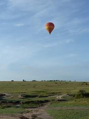 Ballon and Masai Mara Landscape (Carlos Affonso) Tags: africa kenya safari masai maasai savanna masaimara maasaimara savana qunia