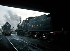 GCR Loughborough Shed (FlyingScotsman4472) Tags: autumn 04 smoke steam sd locomotive 88 gala atmospheric loughborough mpd gcr 7f 53808 63601