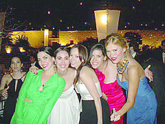 Tessy Carrete Calderon con Priscilla Orfanos, Roberta Septien, Ma.Esther Luebbert y Edna Cicero.