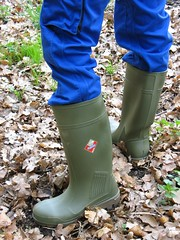 Green Dunlop Purofort and blue Mascot pants (Noraboots1) Tags: boots rubber wellies gummistiefel dunlop gummistvler purofort