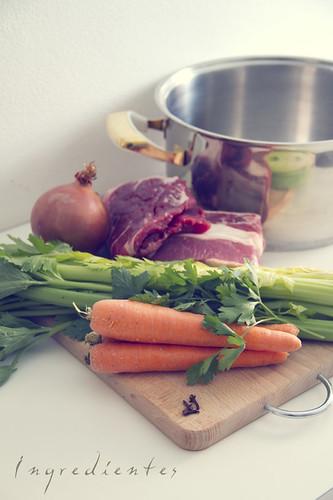 Caldo de carne casero