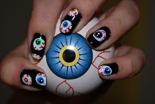 my awesome eyeball nails by tiffanycsteinke