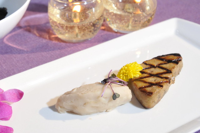 圖五 香港米其林餐廳Bo Innovation主廚精心創意料理_鵝肝配梅菜雪糕。