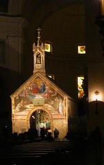 IMG_7914 - assisi - santa maria  degli angeli - la porziuncola (molovate poco presente) Tags: basilica chiesa assisi interno disturbo volate tafme