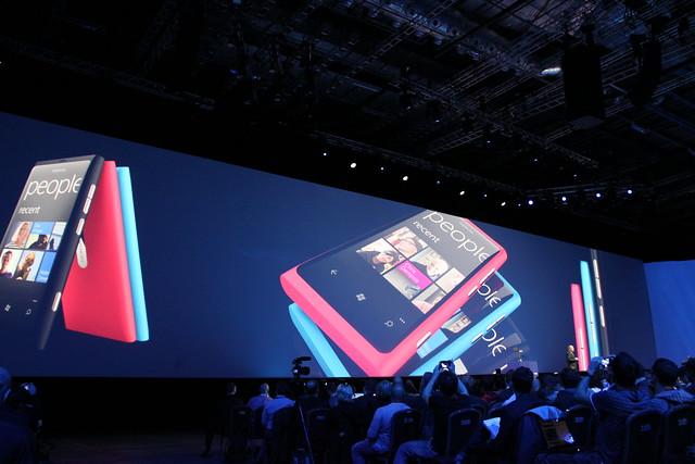 Nokia Lumia 800 Teaser