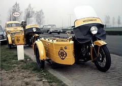 Wegenwacht BSA 500's bij Esso tankstation, 1969 (Tuuur) Tags: ford 1969 300 500 custom esso a40 bsa panelvan farina a50 anwb wegenwacht tuuur fordorautin