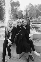 Aleks, Brana i Thea (bmhammo) Tags: family girls white black fountain women serbia cousin belgrade aunty tamajdan tasmajdan