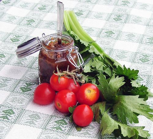 Chutney Sellery & tomato