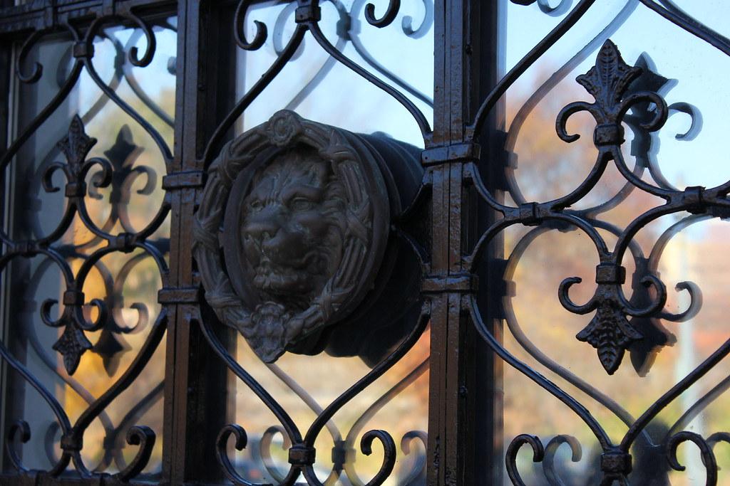 Roaring Door