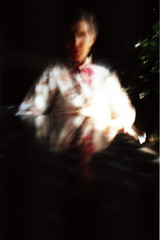 Modiano, piacentine plastificate (FreelyFreeMind) Tags: portrait film kodak pinhole ritratto nonna babbonatale pellicola modiano stenopeica cartedagioco ominiinvisibili piacentineplastificate