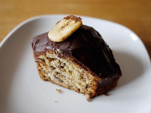 10-19 banana cake