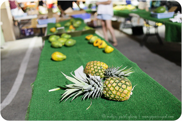 pineapples at kailua farmers market