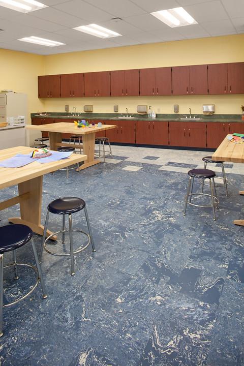 Commmmunity Learning Center & Elementary School - Johnsonite Installation