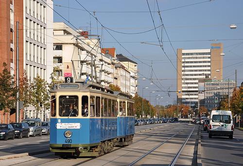 D/f-Wagen in der Einsteinstraße