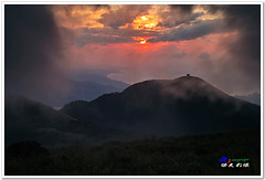 SDIM0217Org ( or Jeff) Tags: sunset mountain nature water colors night clouds coast landscapes twilight place shot taiwan sigma explore  taipei   1020mm  discovery   scenes   afterglow foveon landscap  x3     glimmering 18200mm    datun  sd15