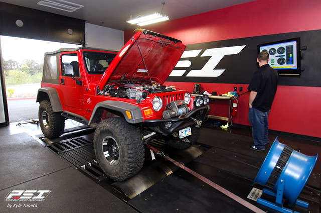 SC Jeep Wrangler on the dyno at PSI.jpg