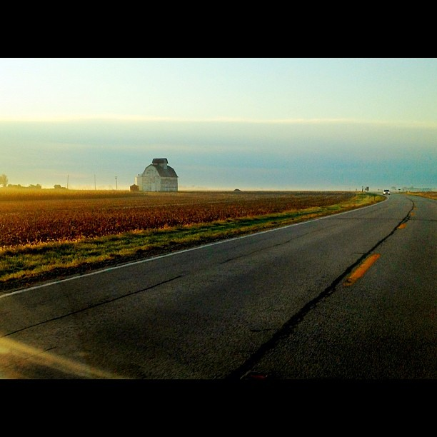 My Favorite #Barn on my #commute #prairie