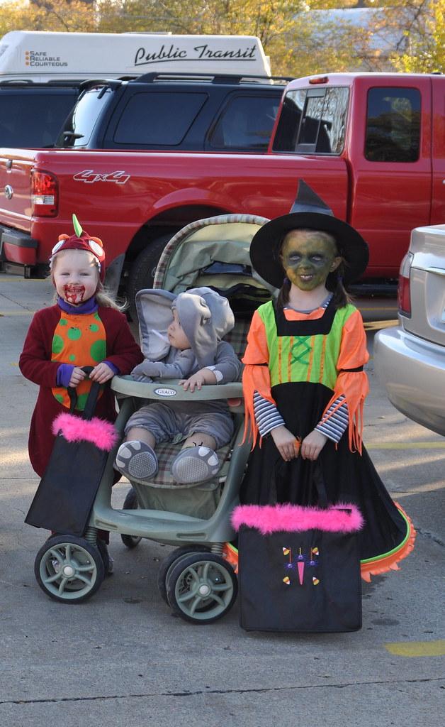 The Littles | Halloween 10.31.2011