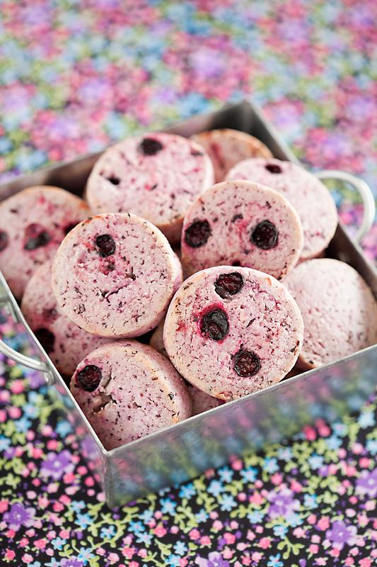 Black currant cookies