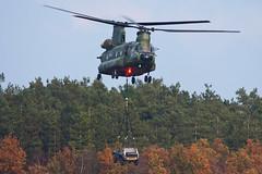 CH-47D (Lennart Batenburg) Tags: canon ede airforce chinook 100400 50d ch47d