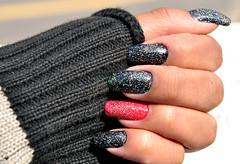 Glitter! (Lari Neri) Tags: pink black glitter rosa preto nails nailpolish unhas esmaltes