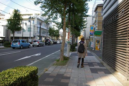 福島市を歩くまいちゃん