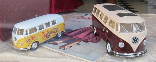 Minibussit by Anna Amnell
