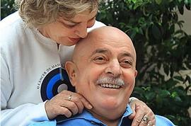 Em tratamento contra câncer, Lula raspa cabelo e barba by Portal Itapetim