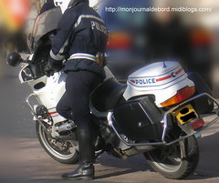 Motard Police Nationale (tripuniforme) Tags: france leather 1025fav europe boots police cop botas motard cuero policeofficer cuir stiefel stivali motorcop greatphotos leatherboots frenchpolice bottesdecuir motardpolice bikermen botasdecuero motardpolicenationale bottesmotardpolice