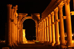 city heritage night arch columns unesco worldheritagesite syria silkroad avenue 2009 unescoworldheritage palmyra romanempire zenobia colonnade worldheritage monumental worldheritagelist unescoworldheritagelist semitic colonnaded monumentalarch queenzenobia palmyrenes greatcolonnade تدمر‎ colonnadedaxis palmyreneempire odaenathus