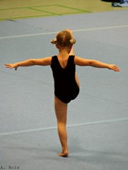 Young Gymnast Girl (@liripi) Tags: sport hall concentration child little bambini contest competition event final gymnastics kleine turnen wettkampf turnerin