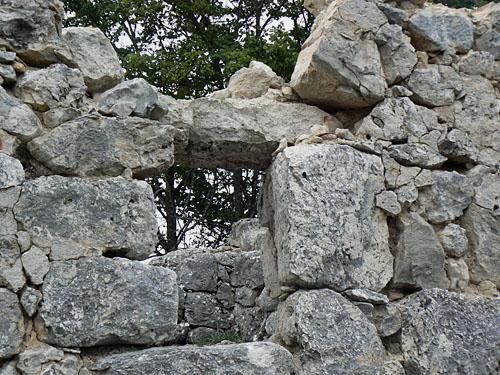 ruines caussols.jpg