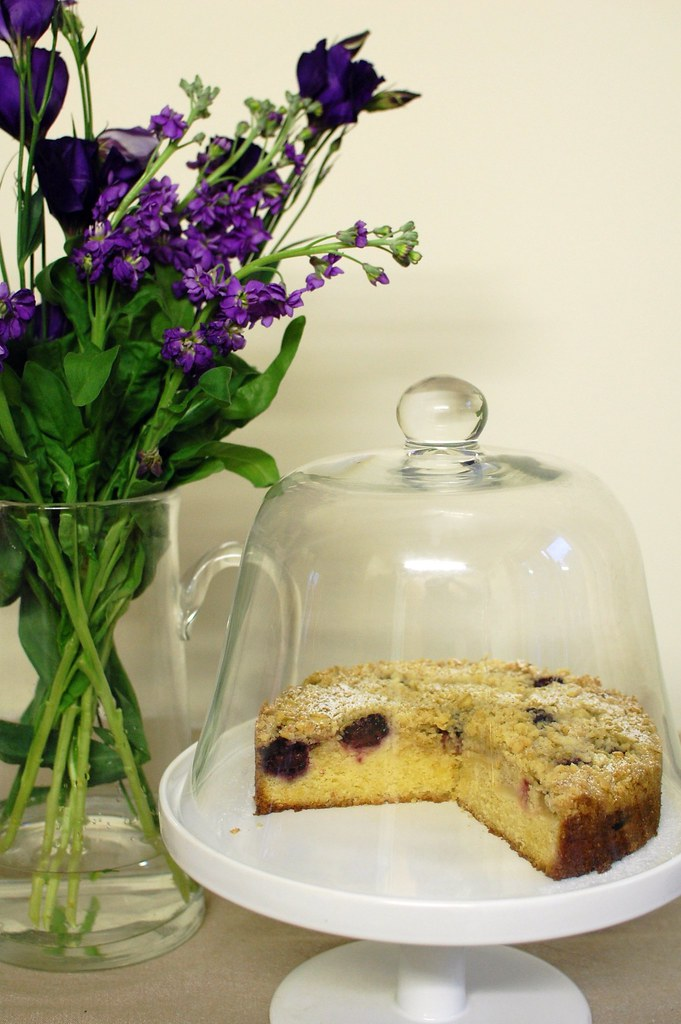 Apple & Blackberry Crumble Cake