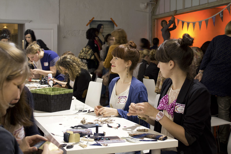 Charity Craft Night - Paris