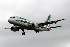 A320 EI-DTG London Heathrow 27.08.09 (jonf45 - 2 million views-Thank you) Tags: london airport heathrow aircraft civil airbus airliner alitalia a320 egll eidtg
